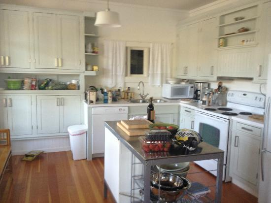 Bamfield Villa: Downstairs Kitchen