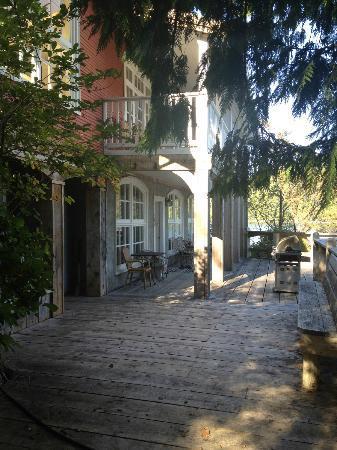 Bamfield Villa: Front Deck