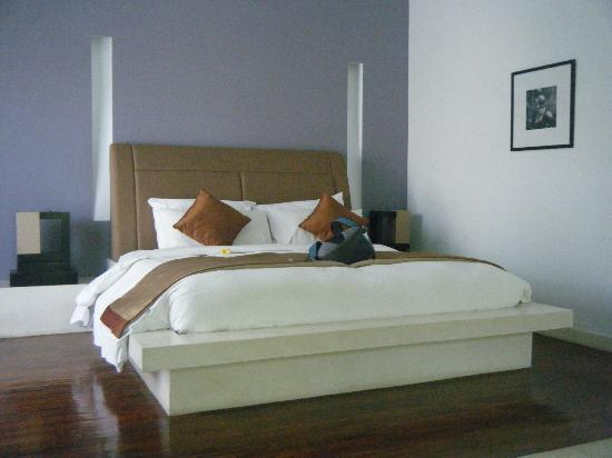 The Seminyak Suite Private Villa: rooms are huge and beds are soooo soft
