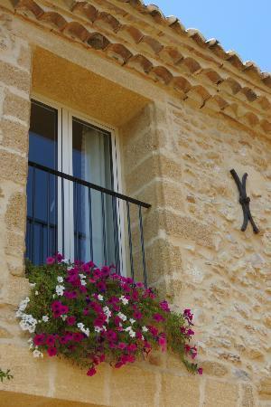 La Maison de Léonie : Pretty flowers everywhere