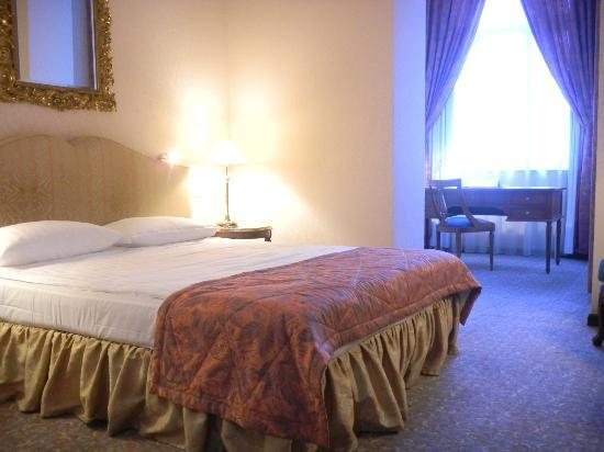 Savigny Hotel Frankfurt City: ベッドルーム(旧館)
