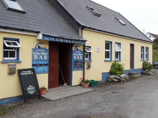 Ciaran Danny Mike's Pub and Restaurant: The Pub
