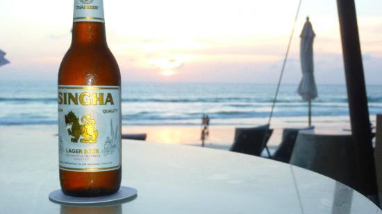Twinpalms Phuket: Catch Beach Club Sunset