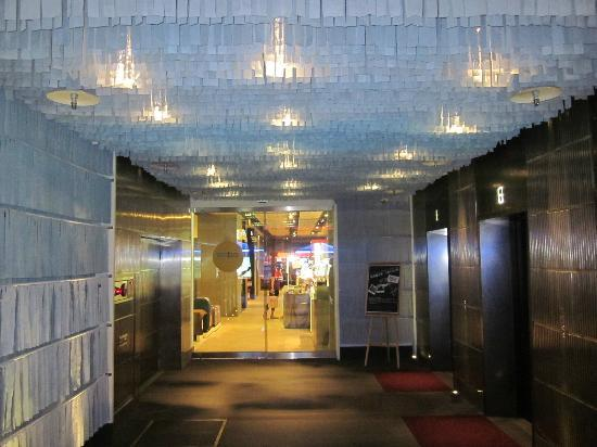 amba TAIPEI XIMENDING: Ground Floor entrance to hotel