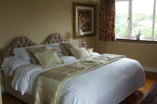 Harvest House: Large Queen Bedroom