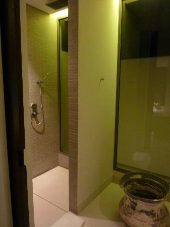 Twinpalms Phuket: Upstairs Bathroom