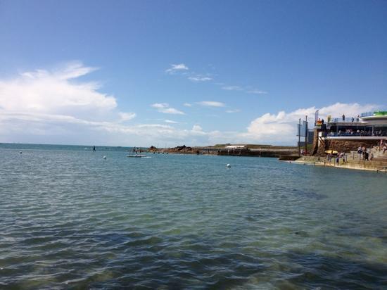 Merton Hotel: Havre de Pas sea pool