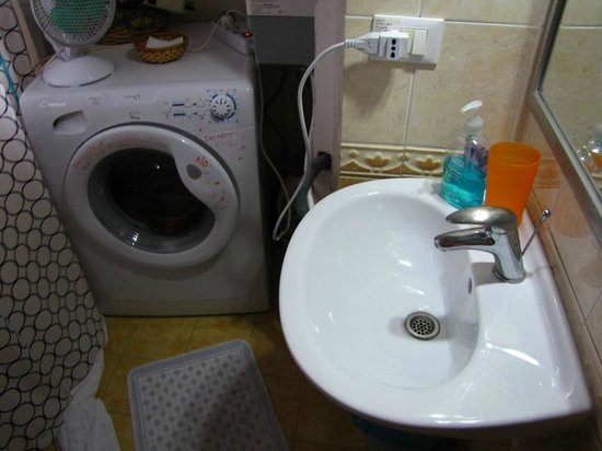 Bed & Breakfast Testaccio: washing machine that's not for guests
