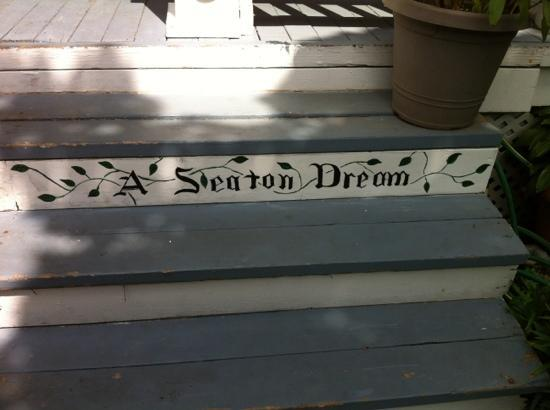 A Seaton Dream B & B: A Seaton Dream
