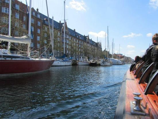 Imperial Hotel: Canal cruise