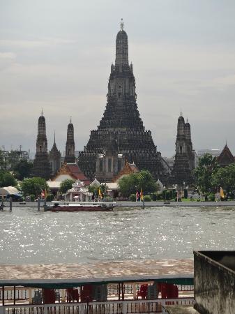 Arun Residence: Wat Arun