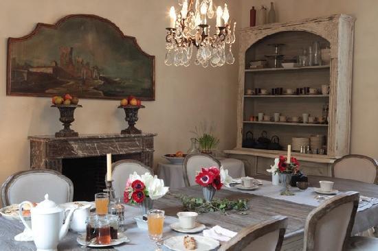 Hotel de Suhard: Prendre le petit déjeuner dans la salle à manger