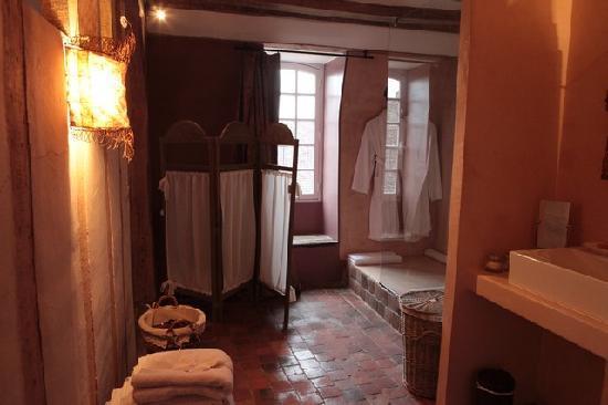 hotel de suhard belleme france voir les tarifs et. Black Bedroom Furniture Sets. Home Design Ideas