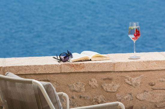 Moni Emvasis Luxury Suites: Deluxe Suite