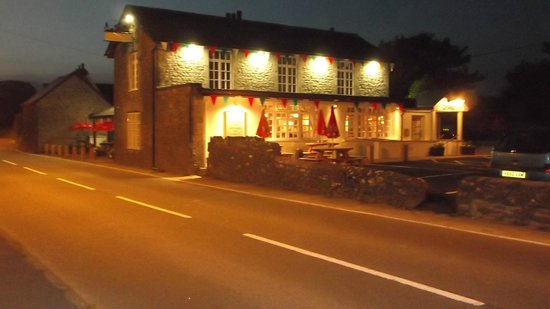 The Farmers Arms: Front view
