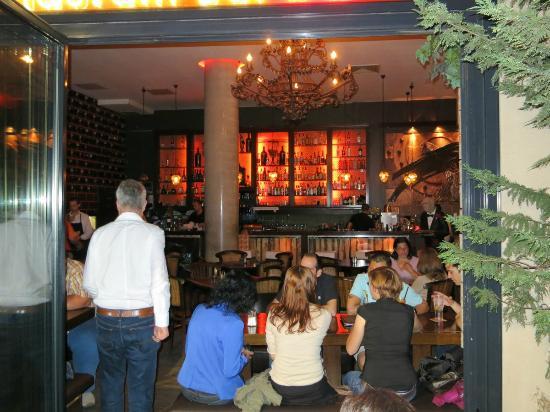 Buena Vista: Indoor part of the restaurant