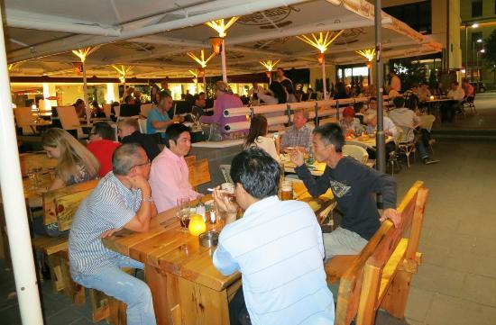 Buena Vista: Outdoor part of the restaurant