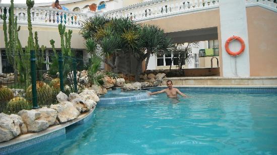 Hotel Pino Alto : Территория бассейна