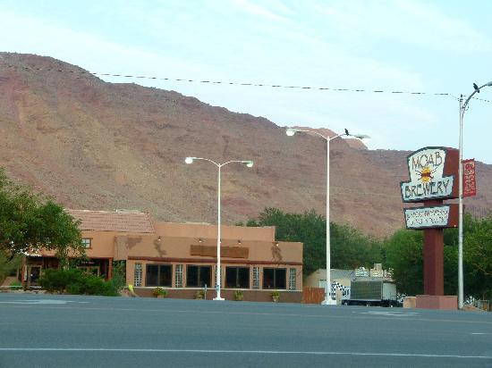 Moab Valley Inn: resto en face de l'hôtel
