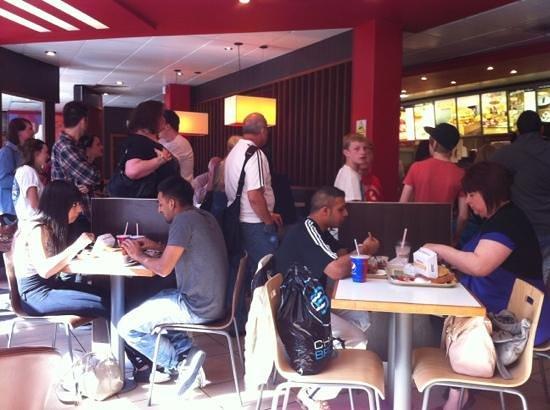 KFC : Busy on a Sunday