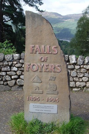 The Falls of Foyers: info stone?