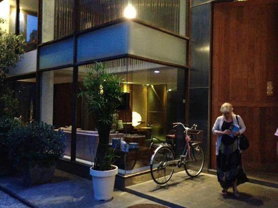 Luxx XL: The hotel entrance
