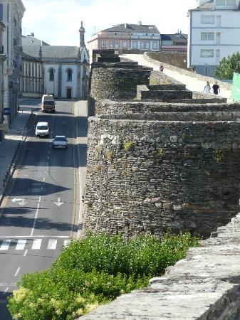 Remparts de Lugo - Photo de The Roman Walls of Lugo, Lugo ...