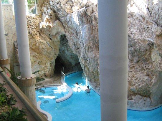 Cave Bath of Miskolctapolca :                   Im Höhlenbad