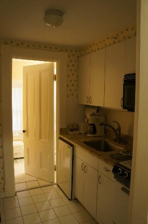 North Bridge Inn: Kitchenette in Hawthorne Suite