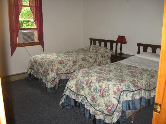 Bay Meadow Cottages: 2nd bed room