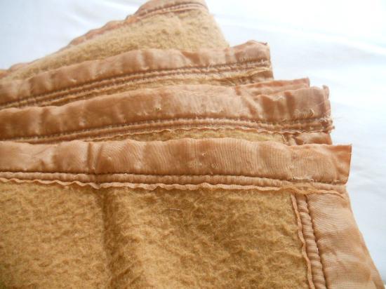 Azurene Royal Hotel: blankets