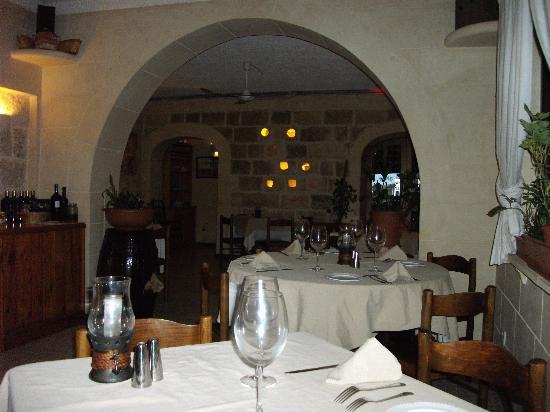 Da Manuel Restaurant: The Restaurant