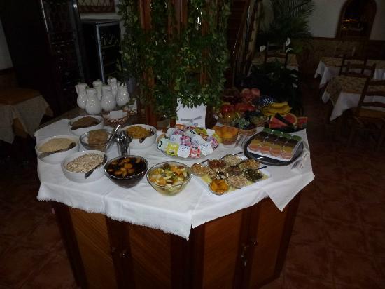 Vila Mia: Frühstücksbuffet