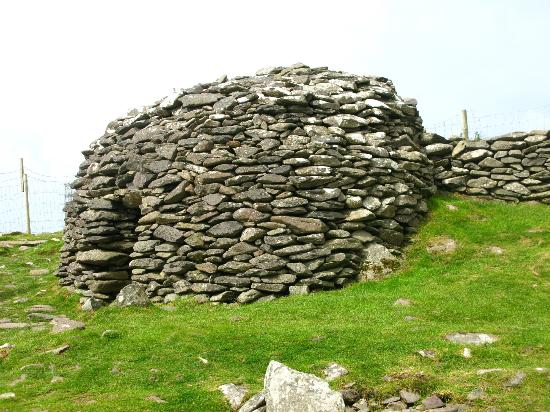 The Dingle Peninsula: Bee Hive Hut