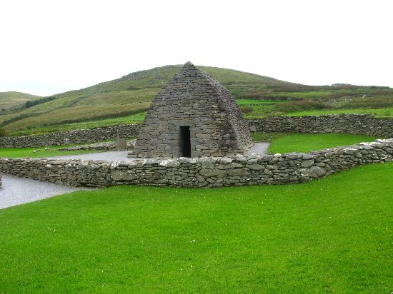 The Dingle Peninsula: Stone Structure - possibly a place of worship