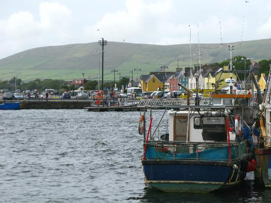 The Dingle Peninsula: Small harbor