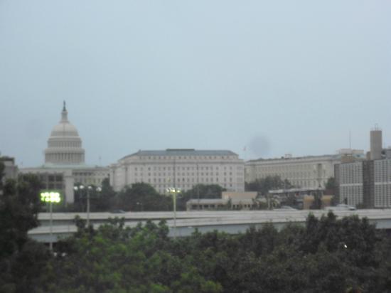 Capitol Skyline Hotel: Desde mi ventana