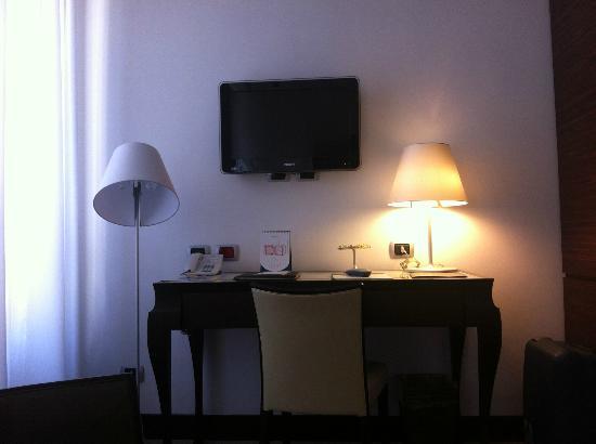 UNA Hotel Cusani: Habitación superior