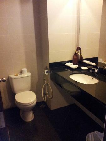 Grand I Hotel: Toilet