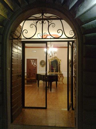 Hotel Villa San Donnino: ingresso stanze corpo centrale