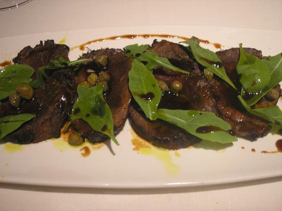 Aragonia Palafox: roast-beef de ternera marinada con rúcula selvática y acaparras de Ballobar