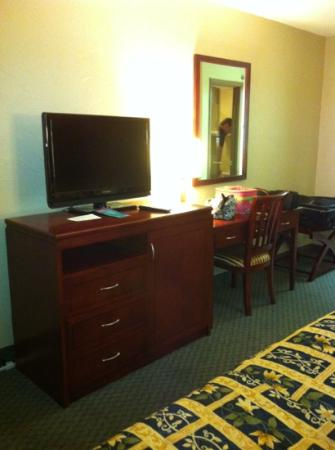 Days Inn Branson/Near the Strip: nice TV