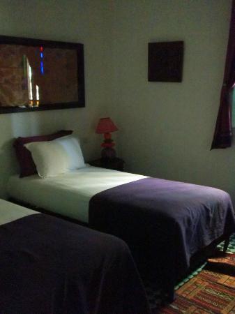 Dar Fes Medina: Rm. 203 twin beds