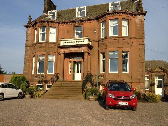 Cressfield Country Hotel: A sunny day in Eccelfechan