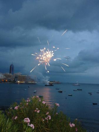 Balluta Square: Fireworks at Balluta Bay