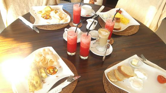 Ko-Ko-Mo Resort: Breakfast at kokomo- always had fresh yummy juices