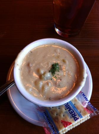 Lockspot Cafe: Chowder--yum yum! :)
