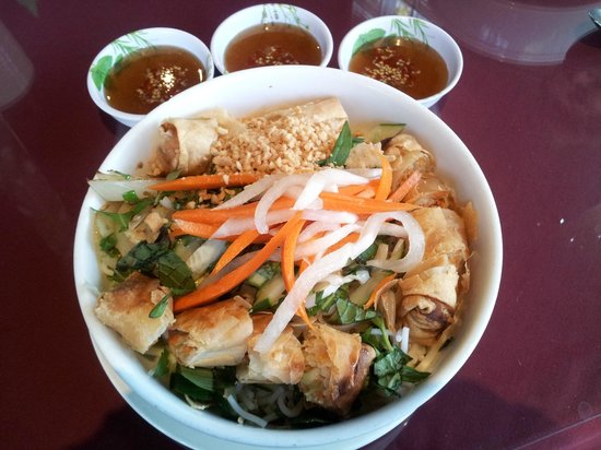 Flavors of Asia: Vietnamese noodles with spring rolls