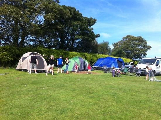 Tyddyn Isaf Camping and Caravan Park: our perfect pitch! :)