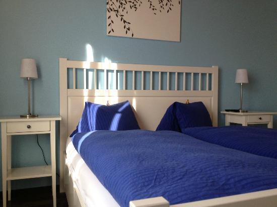 Hotel Alphorn: Bed